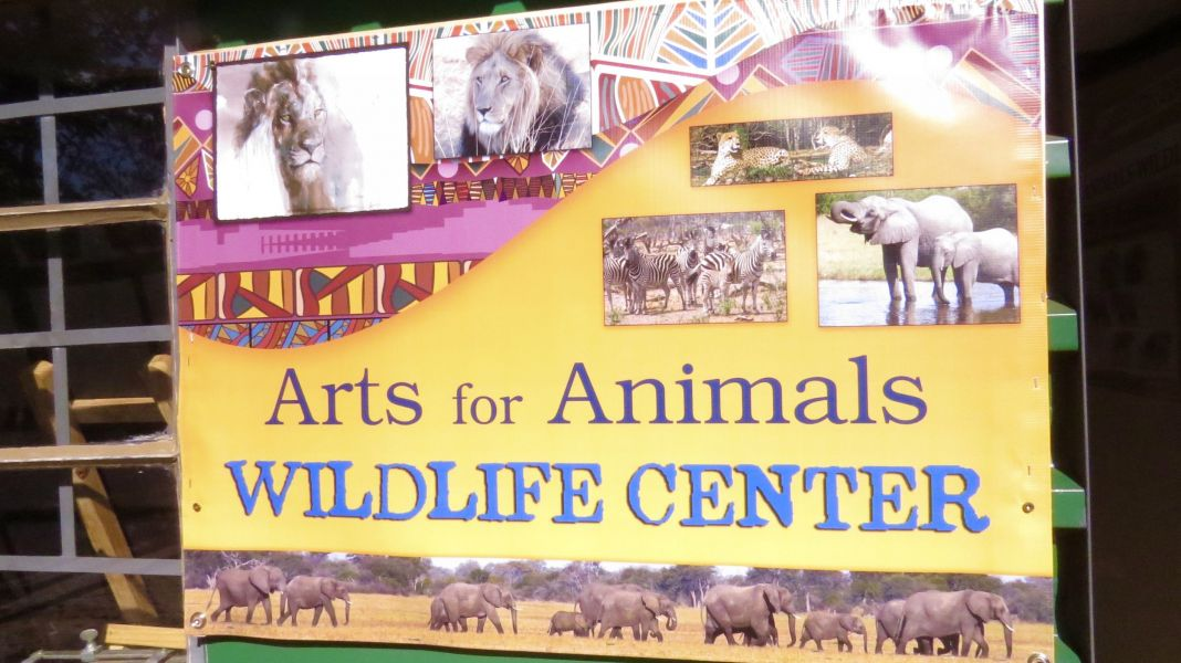 We took our friends to the ARTS FOR ANIMALS wildlife Center